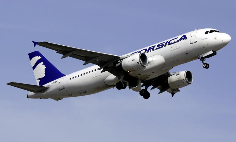 самолет Air Corsica